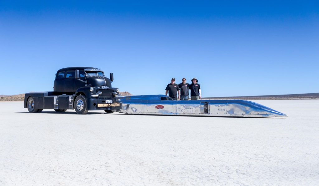 Ed Umland and crew pose for a shot after setting the B/BGS record at the 2018 Bonneville Speed Week
