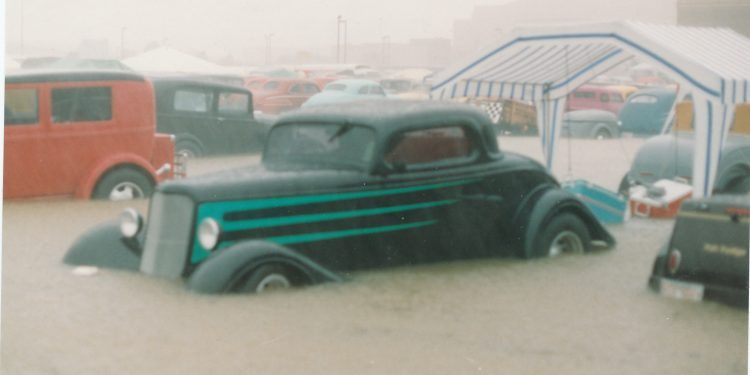 1934 Ford coupe at the 1992 NSRA Street Rod Nationals