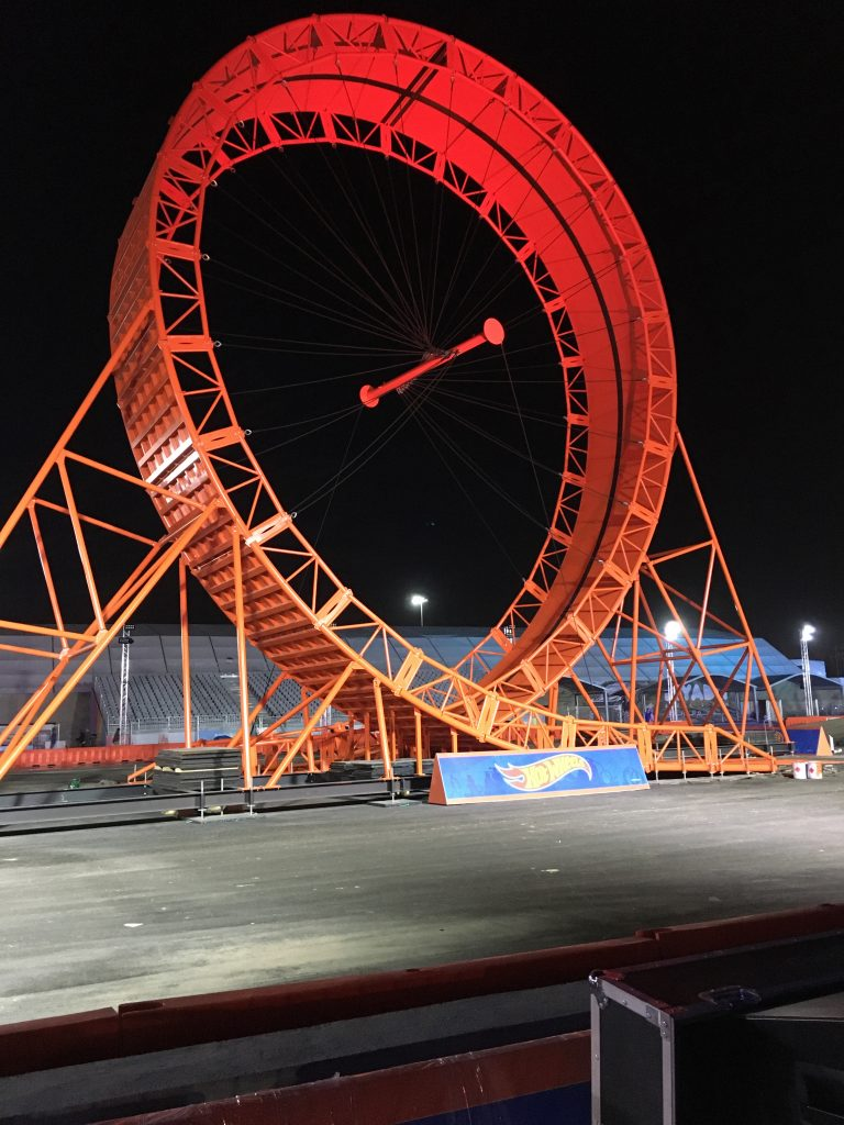 hot wheels loop